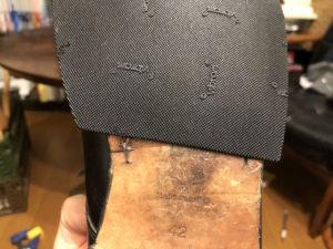 強くくっついた靴底とハーフソール