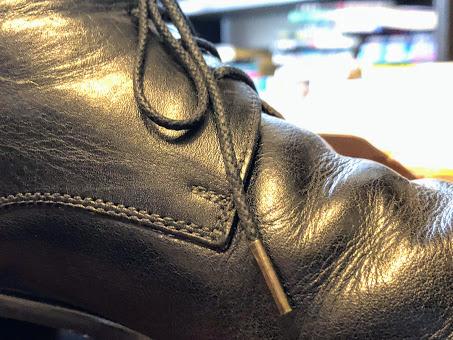 新しい靴ひものアップ