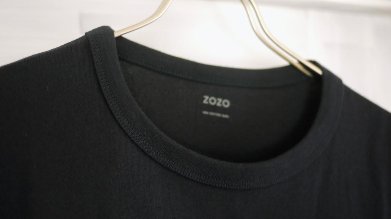 ハンガーにかけたzozoTシャツ