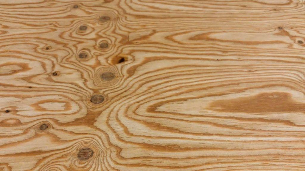 針葉樹合板の表面