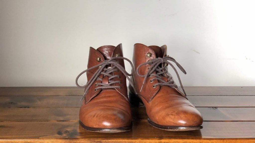 カビ除去・メンテナンス後の革靴 前から