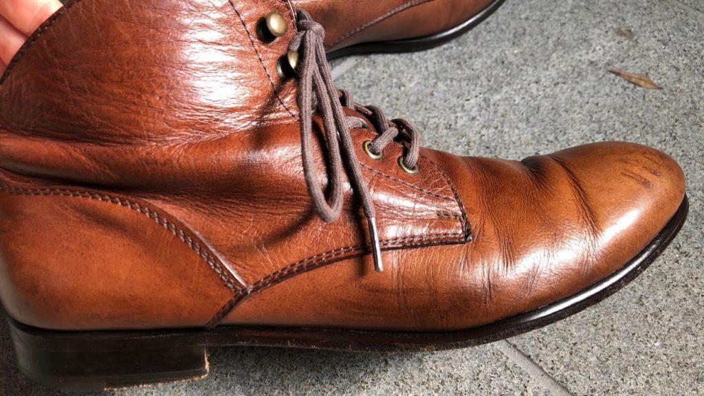 復活した革靴・側面