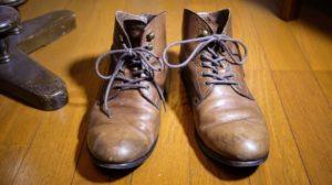 カビが生えた革靴