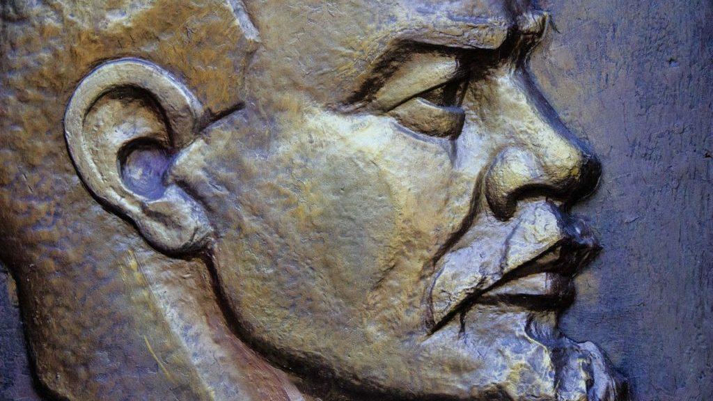 レーニンの彫像