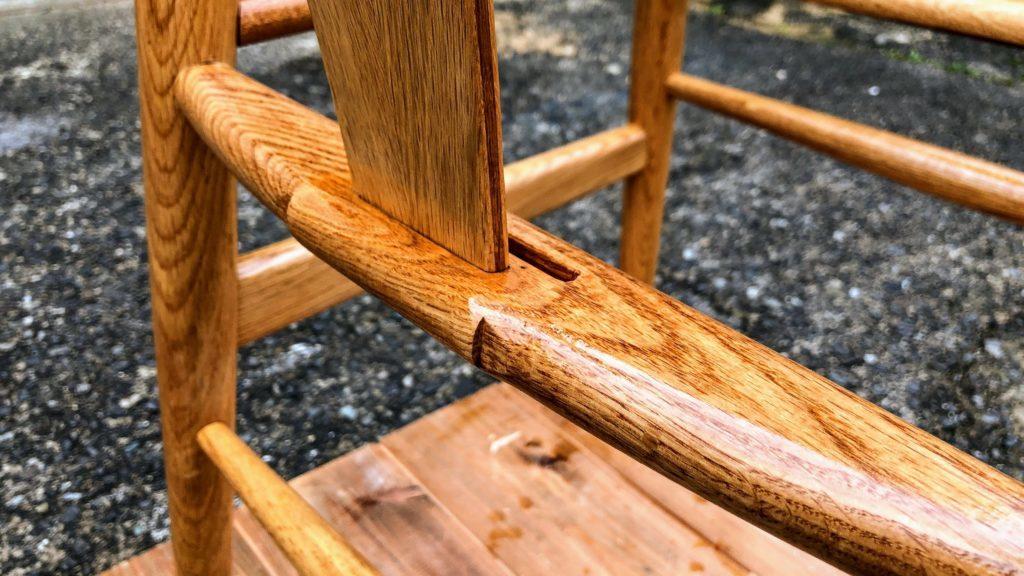 オイルを塗った椅子のフレーム