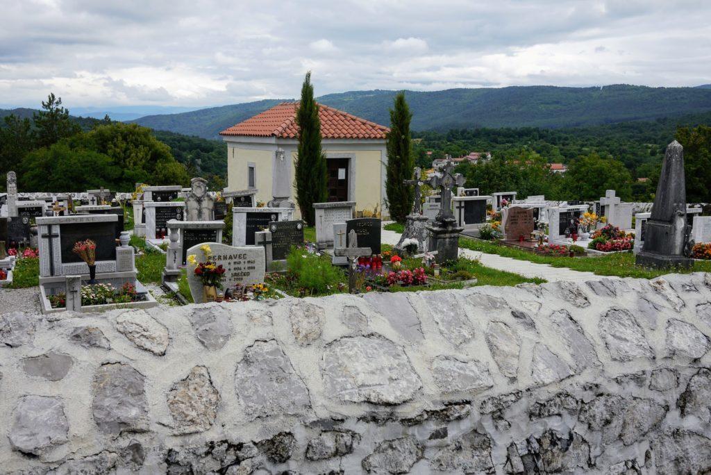 シュコツィヤンの墓地