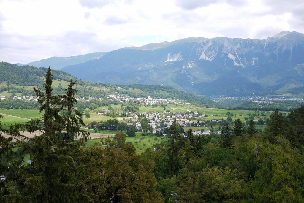 ブレッド湖と反対側の景色