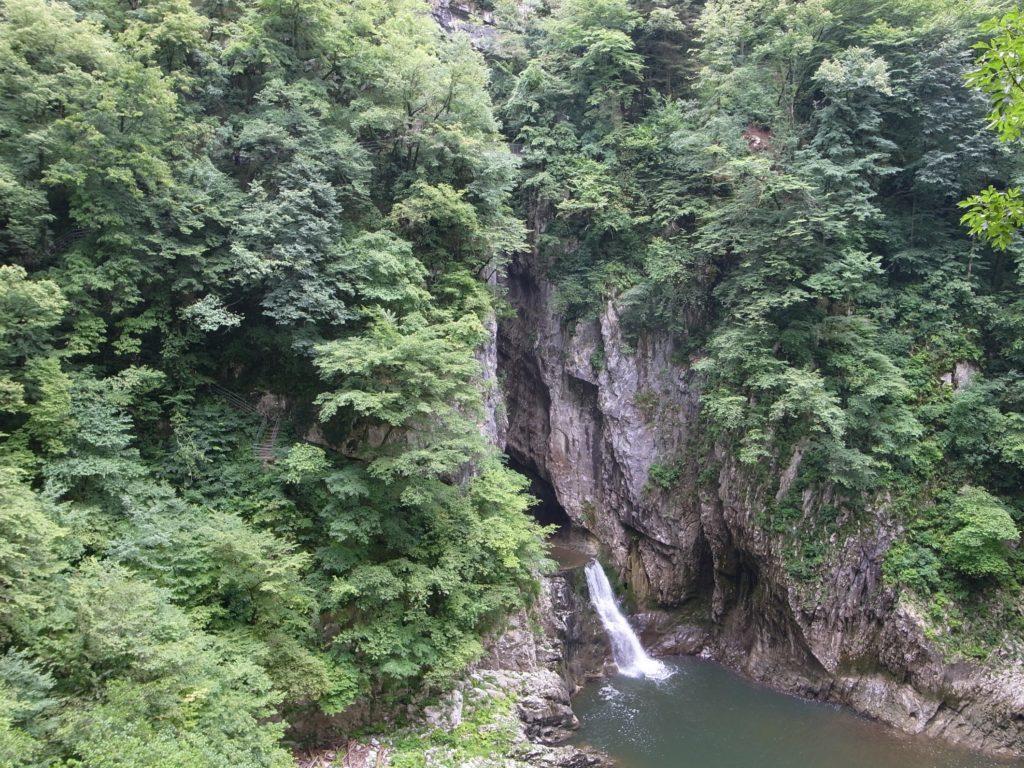 シュコツィヤンの滝