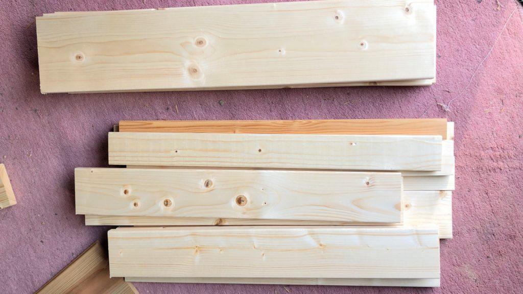 組み立て前の木材