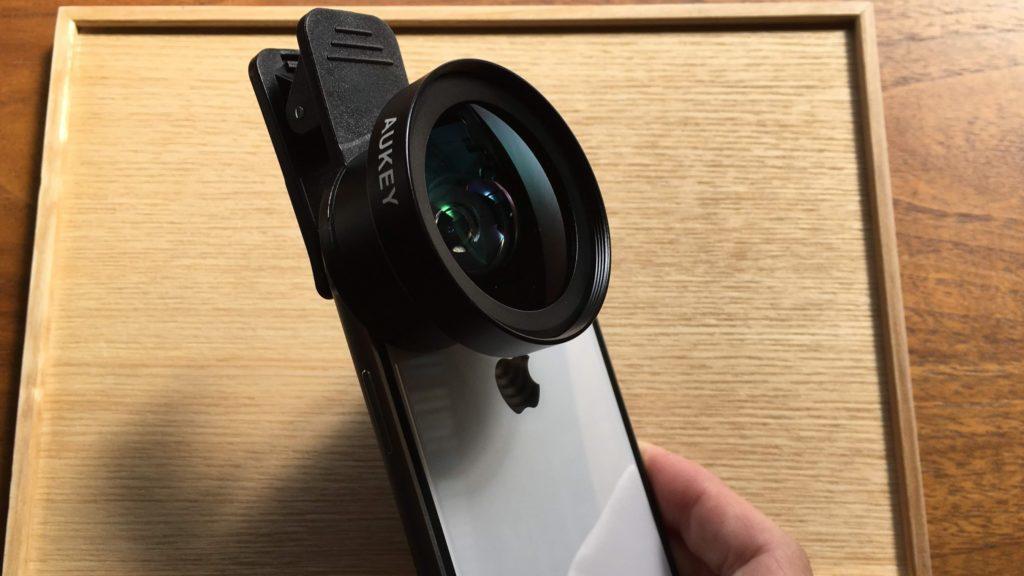 超広角レンズを装着したiPhone X