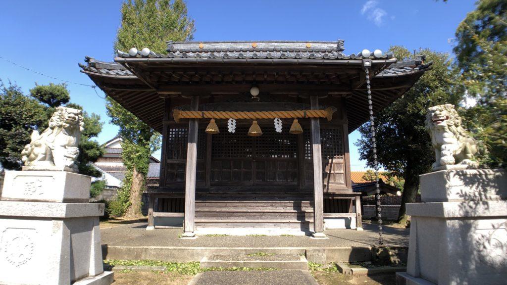 超広角(0.45倍)で撮影した神社
