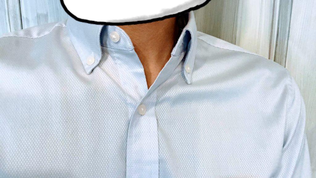 ストレッチスリムフィットシャツ着用 襟もと