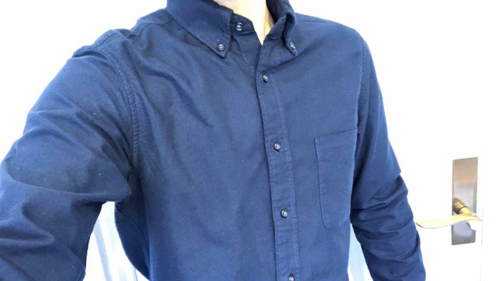 ユニクロのオックスフォードシャツ着用・自撮り