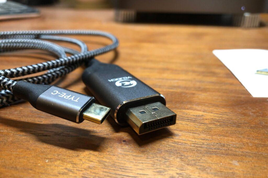 ディスプレイポート/USB3.0変換ケーブルのアップ